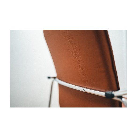 M - Mamba ekrü/bézs krómvázas rakásolható tárgyalószék